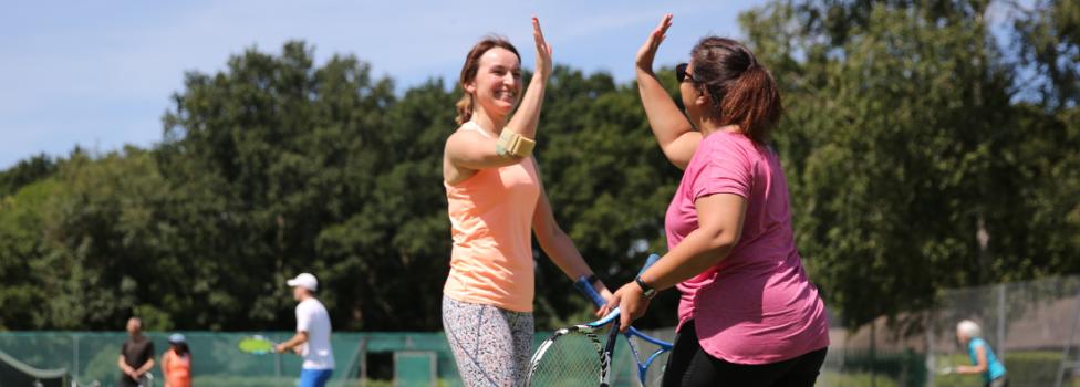 Book a tennis court