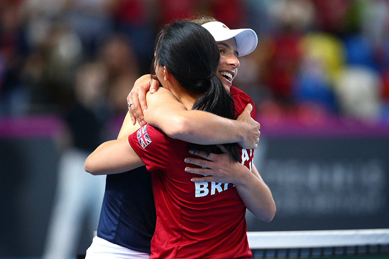 Johanna Konta and Anne Keothavong embrace