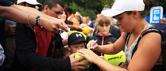 Ashleigh Barty spends time with fans at Aegon Classic Birmingham