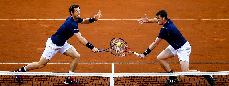 Andy and Jamie Murray in perfect symmetry at the Davis Cup final in 2015