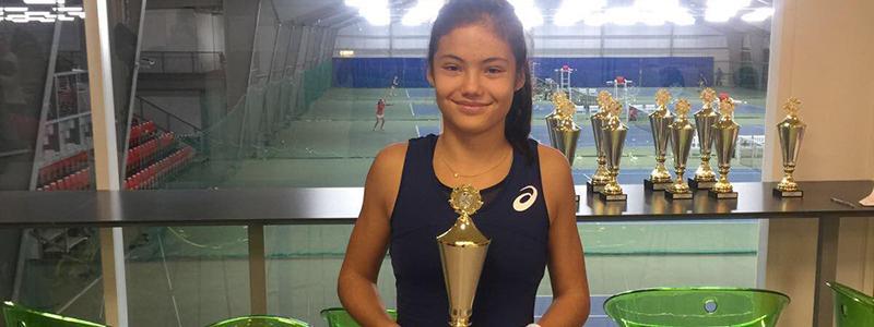 Emma Raducanu at Bromley Tennis Centre