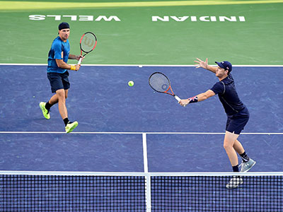 Jamie Murray and Bruno Soares in action at Indian Wells 2017
