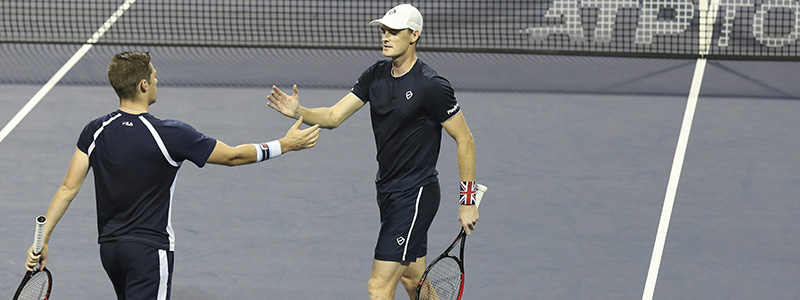 2019 Jamie Murray and Ken Skupski high five during the Shanghai Masters